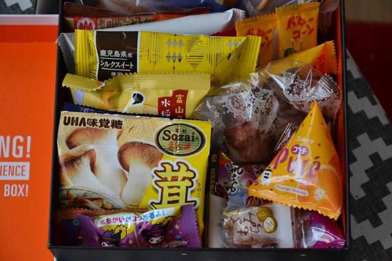 Cutie Bokksu deschisă (snacksuri)